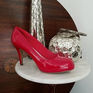NEW Red SM New York Patent Leather Heels Size 8